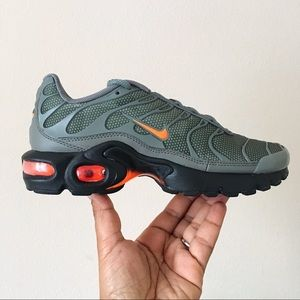 Women Nike Air Max Plus SE Dark Camo Green